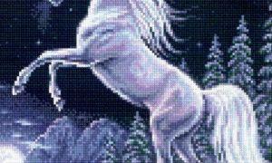 Единорог на скале